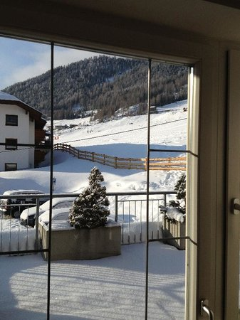 Royal Appartements Solden : View from to slopes from our room