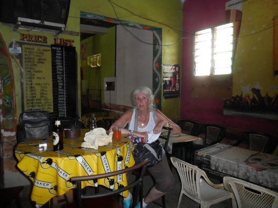 Malindi Market: Bar in he middle of the town