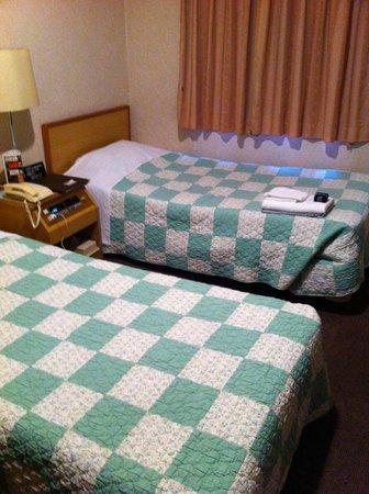 Okinawa Sunplaza Hotel: ベッド