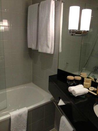 K+K Hotel Cayre: バスルーム