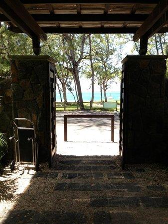 Emeraude Beach Attitude: Entrée de l hôtel