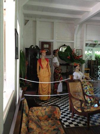 Décor Reconstitué Dans La Maison De Maitre Picture Of Jardin De