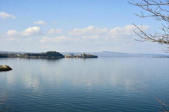L'Orto delle Fate: la vista del lago
