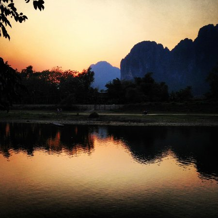 Ban Sabai Bungalows by Inthira: Sunset by the river