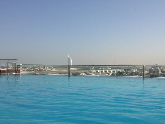 Gloria Hotel: view from pool