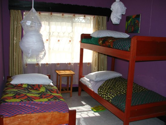 Amahoro Guest House : triple room