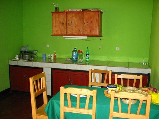 Amahoro Guest House : Kitchen