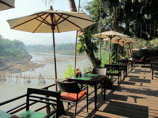 Villa Nagara: terrace restaurant