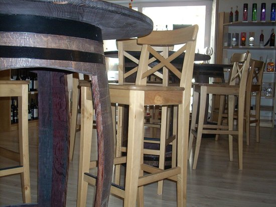 Tavoli e sgabelli foto di enoteca 1990 adelfia tripadvisor