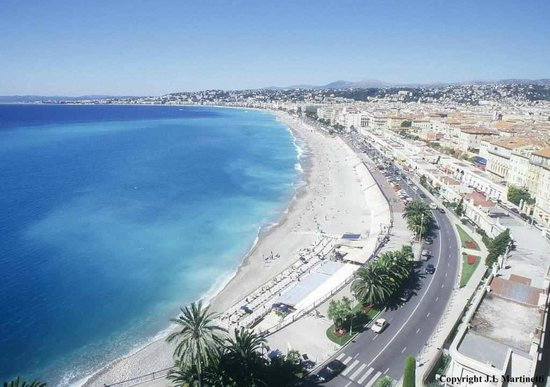Hotel Villa Rivoli : View from the hill of the old town of Nice