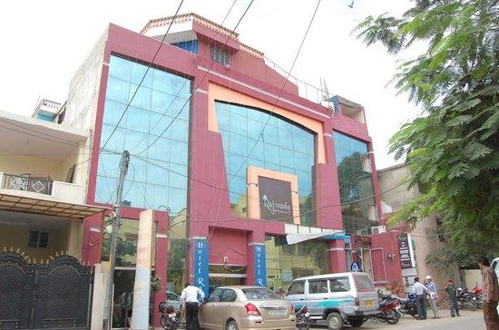 Hotel Rajwada Palace: front view