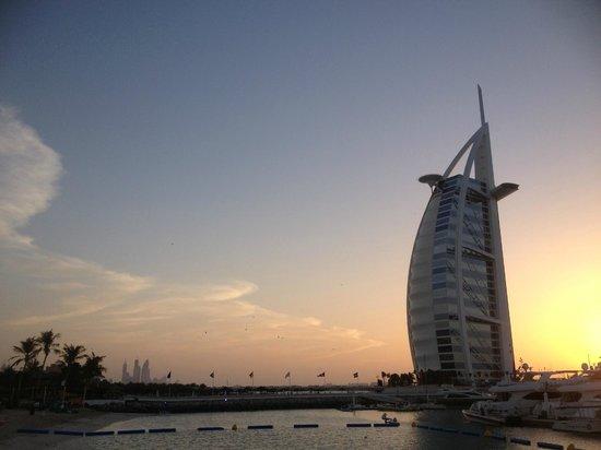 Jumeirah Beach Hotel: fantastico tramonto