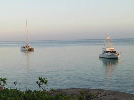 Silver Seas Resort Hotel : Vue de la chambre au lever du soleil