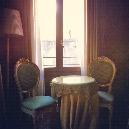 Hotel Al Ponte Mocenigo: View in the room