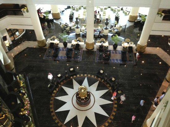 The Ritz-Carlton, Bahrain: Hotel entrance