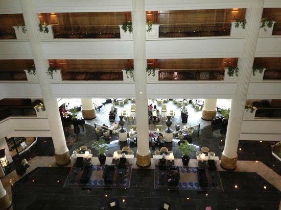 The Ritz-Carlton, Bahrain: Hotel lobby