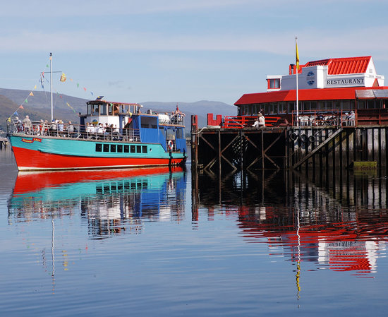 Crannog Cruises: Souters Lass departing from the Town Pier