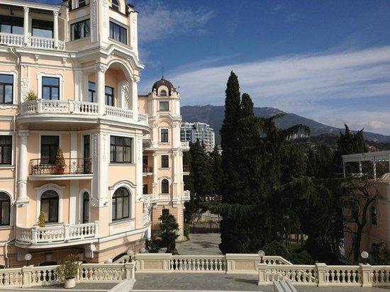 Villa Elena Hotel & Residences : отель