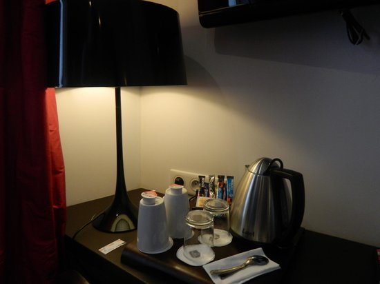 Best Western Star Champs Elysees : zona colazione tv