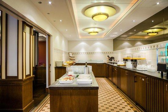 Hampshire Hotel - Oranje Leeuwarden: Breakfast - Oranje Hotel Leeuwarden - Hampshire Eden