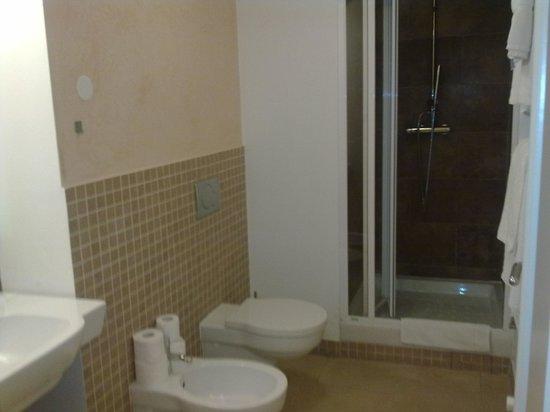 Hotel Trevi: bagno