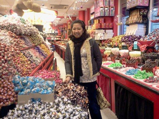 فيرست هوتل جي: 4 GOTT candy shop
