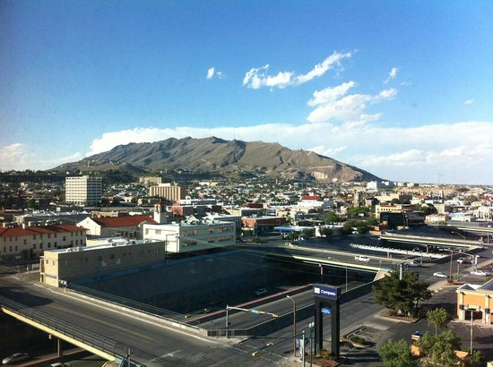 Doubletree Hotel El Paso Downtown/City Center: The view from room on the 11th floor
