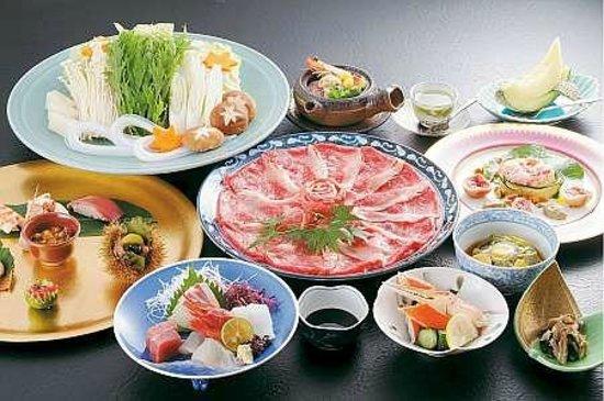 Ryokan Oomuraya: 夕食一例