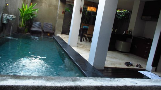Annora Villas Seminyak: Outdoor area