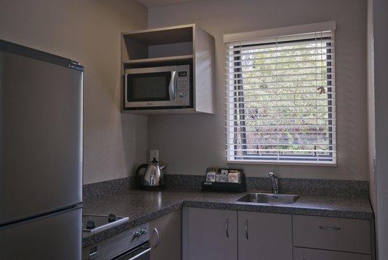 58 On Cron Motel: 2 Bedroom Kitchen