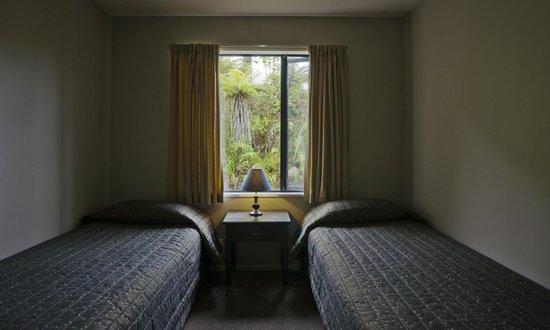 58 On Cron Motel: 2 bedroomed unit twin