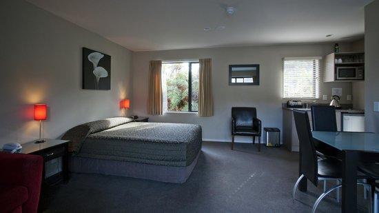 58 On Cron Motel: Bedroom 1 bedroomed unit