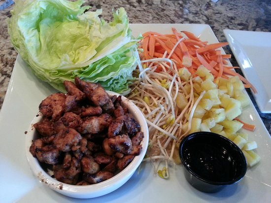 110 Grill : Asian Lettuce Wrap, chicken, pineapple, carrots, sprouts, peanuts, sauce=Yum!