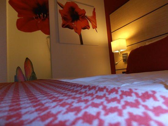 Golden Tulip Leiden Centre : inside of the room