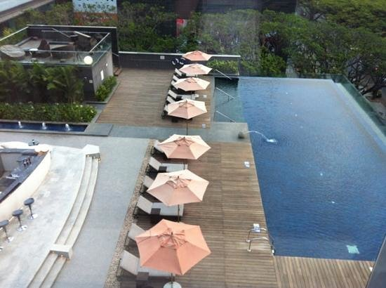 Pool Area Picture Of Sheraton Grand Bangalore Hotel At Brigade Gateway Bengaluru Tripadvisor