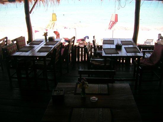 Oasis Sunset : Blick vom Restaurant auf den Strand