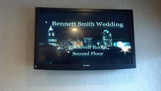 DoubleTree by Hilton Hotel Raleigh - Brownstone - University: screen to direct my guests