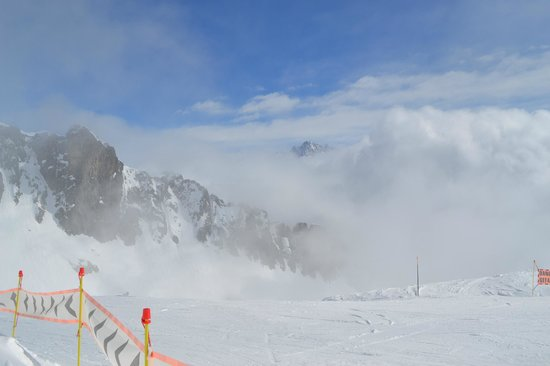Ski Breezy - Chalet D'Ile: Visit Le Panaramique restaurant at the top of the Brevent cable car - Charles Bozon run down.