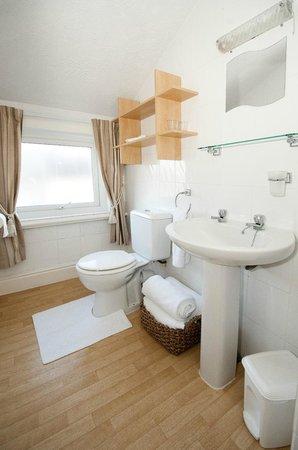 Athol House: En-Suite Bathroom