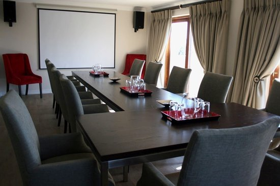 Hole in One Boutique Hotel and Conference Centre: Executive Boardroom