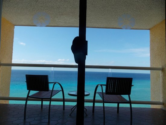 Meliá Cozumel Golf - All Inclusive: our patio 11th floor. view from bed.