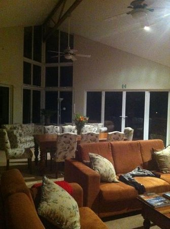 Margaret River Bed & Breakfast: sitting dining area