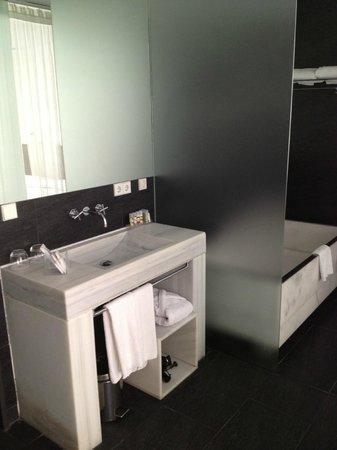 Hospes Palacio de los Patos: Waschbecken