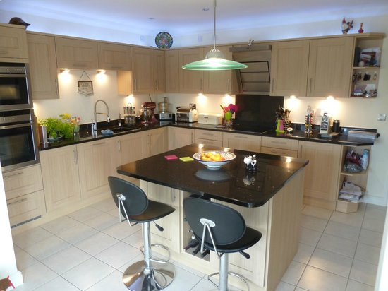 Hillside Guesthouse: Kitchen