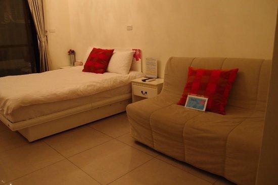 Pig' Home ('minsu'): Bed and sofa