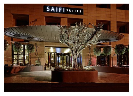 Saifi Suites: Hotel's Entrance