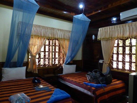 Bayon Garden Guesthouse: Zimmer im Haupthaus mit Klimanalage
