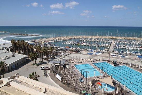 Leonardo Art Tel Aviv: Бассейн и Марина