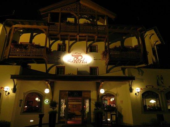 La Perla Hotel: Hotel La Perla di sera