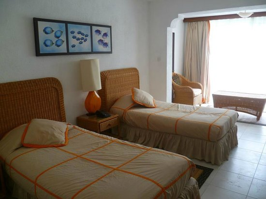 Leopard Beach Resort & Spa: Superior room